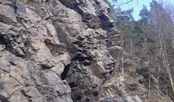 Víkendové lezení Sulovské skály