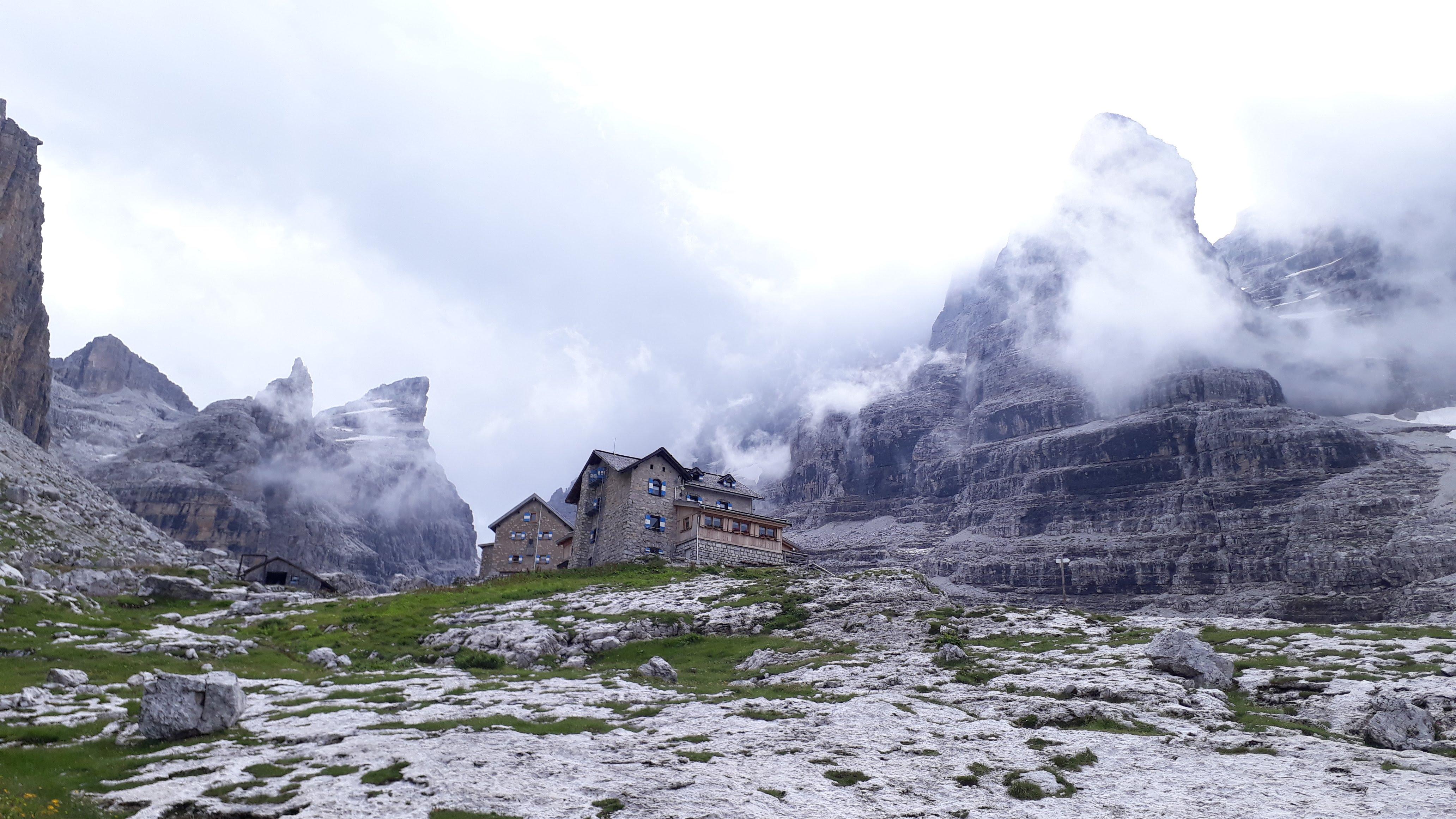 Chata Rifugio del Tuckett